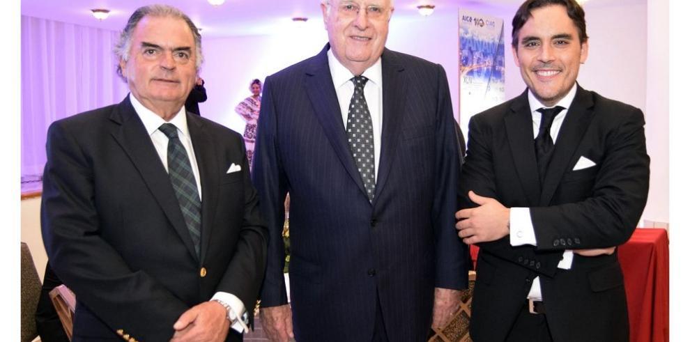 Congreso internacional cierra con cena de gala
