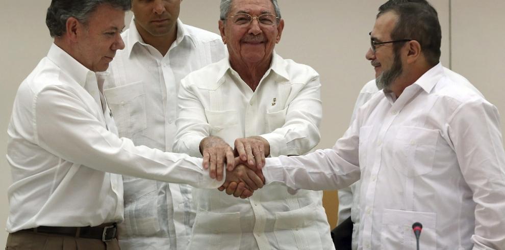 Santos afirma que la paz sera firmada con las FARC en marzo 2016