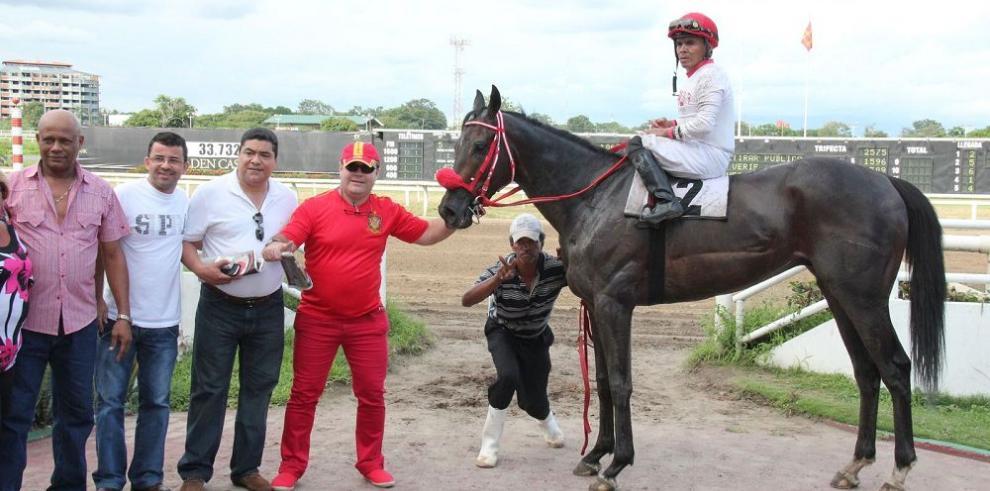 """Jap Horse Stall, y """"Salustio"""", líderes"""
