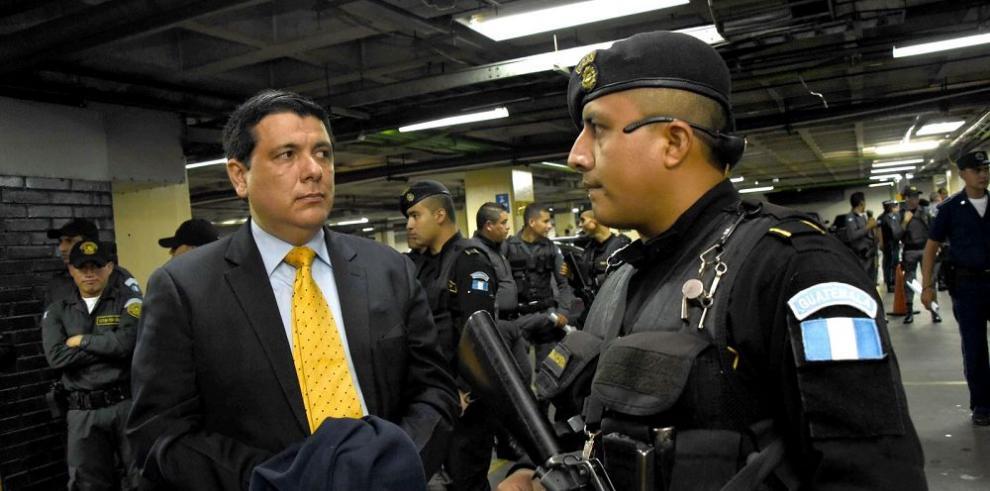 """Justicia guatemalteca arresta a tres jueces por el caso """"La Línea"""""""