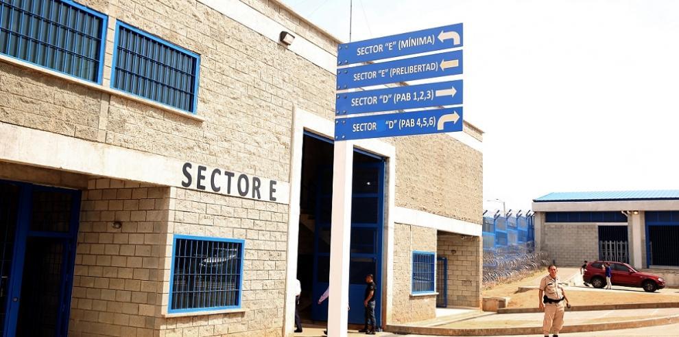 Detenido de La Gran Joya retiene a custodio e hiere a otro preso