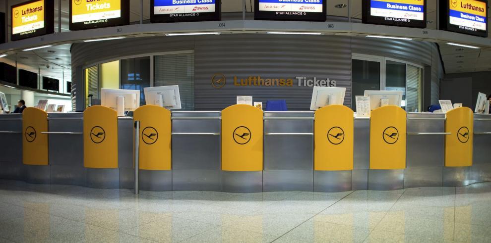 Lufthansa cancela la mitad de vuelos de larga distancia por huelga