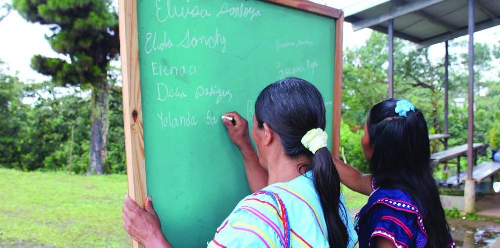 Unesco pide invertir más en alfabetización