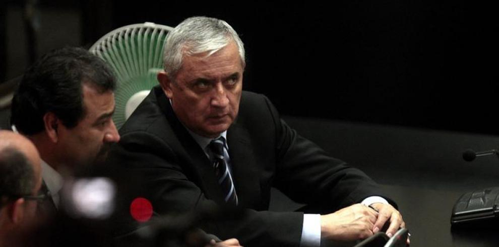 Juez ordena procesar a Otto Pérez Molina por corrupción