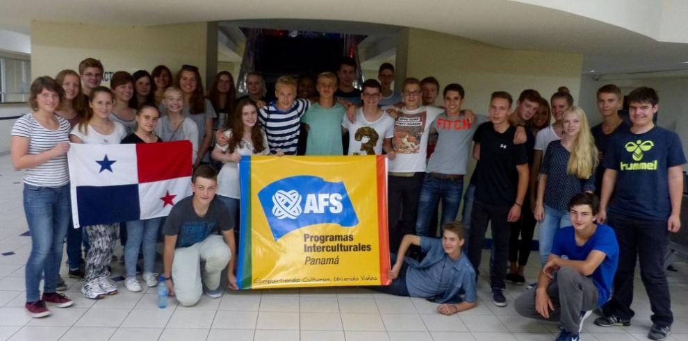 Jóvenes extranjeros inician vivencia intercultural
