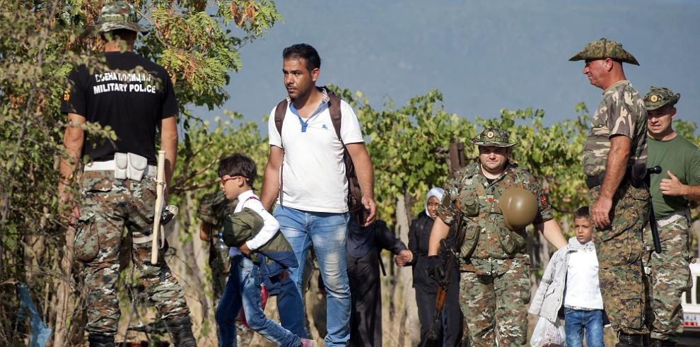 Impresionantes imágenes de migrantes sirios en su travesía