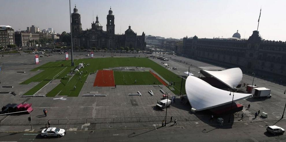 El Zócalo azteca, convertido en un campo para el béisbol