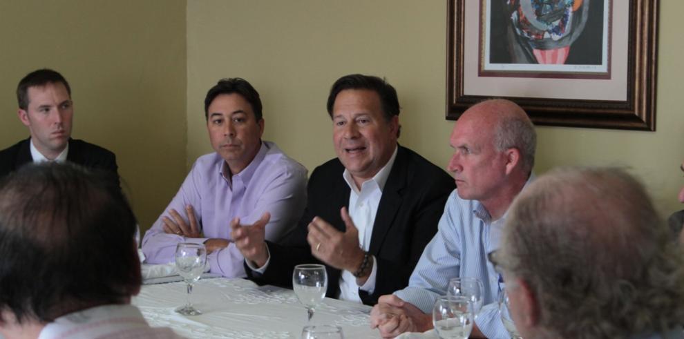 Varela presenta a empresarios de ZLC proyecto Colón-Puerto Libre
