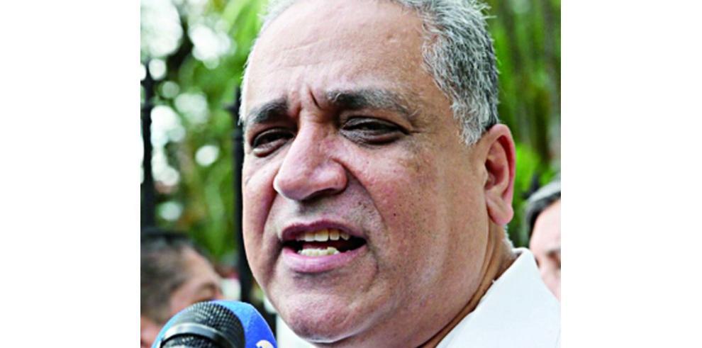 Martinelli protesta contra la petición de Oydén Ortega