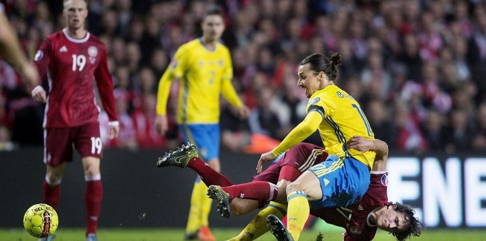 Ibrahimovic clasifica a Suecia a la Eurocopa