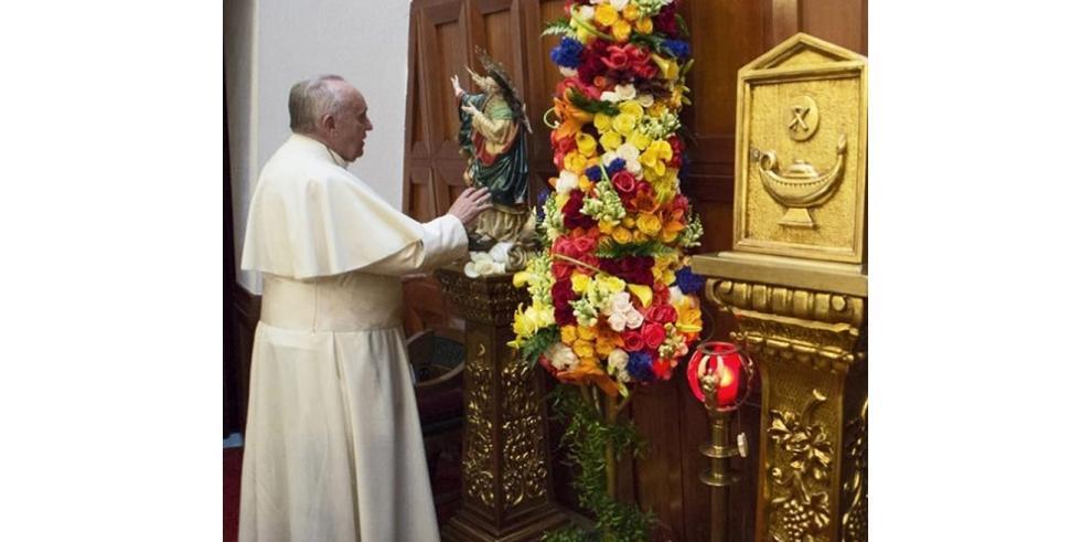 El papa Francisco viaja a Guayaquil, donde celebrará una misa campal