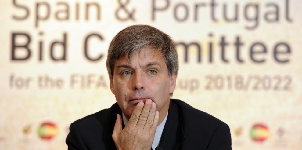 FIFA suspende 7 años a expresidente de Federación Chilena