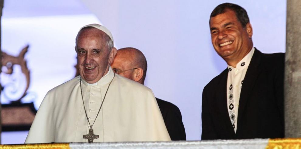 El papa Francisco se reúne con el presidente de Ecuador en privado