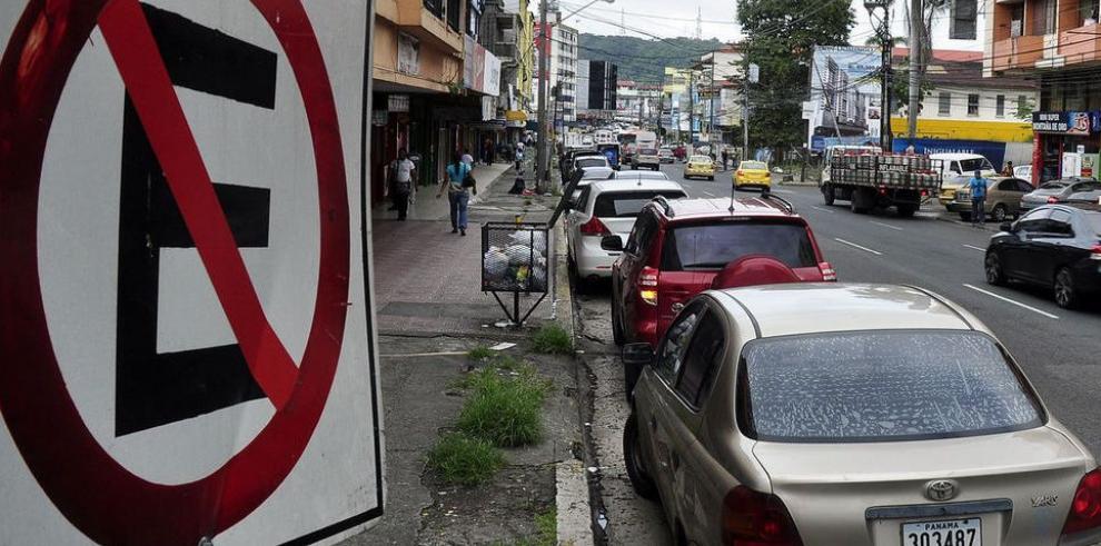 Choque por proyecto de los estacionamientos