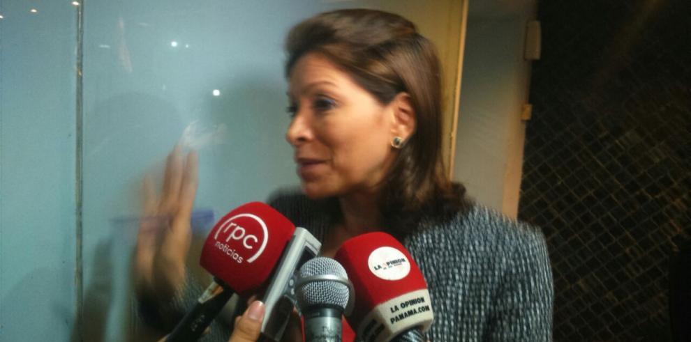 Gómez dice que la situación de su suplente debe ser aclarada