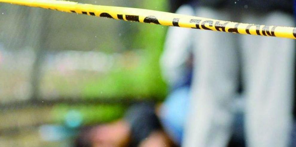 Policía le dispara a traición a su pareja y se suicida
