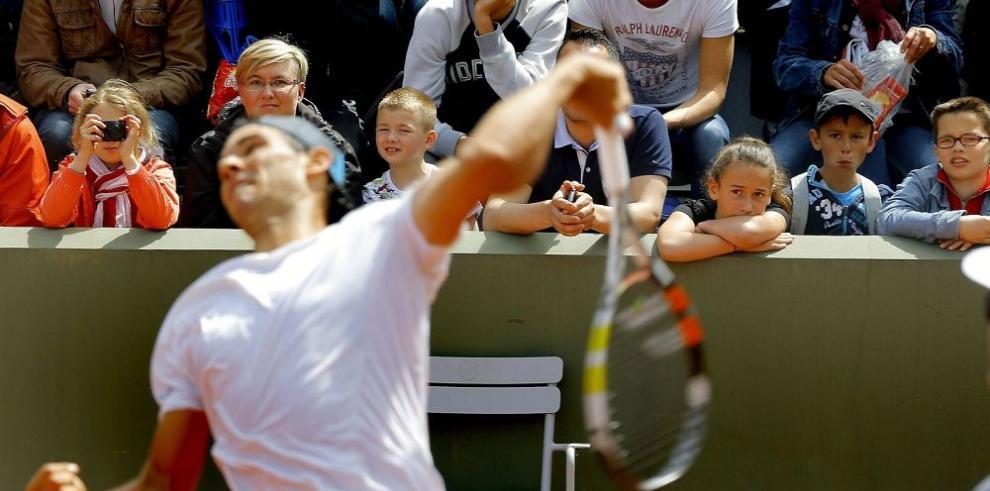 """Nadal busca la """"décima"""" en París, con Djokovic al acecho"""