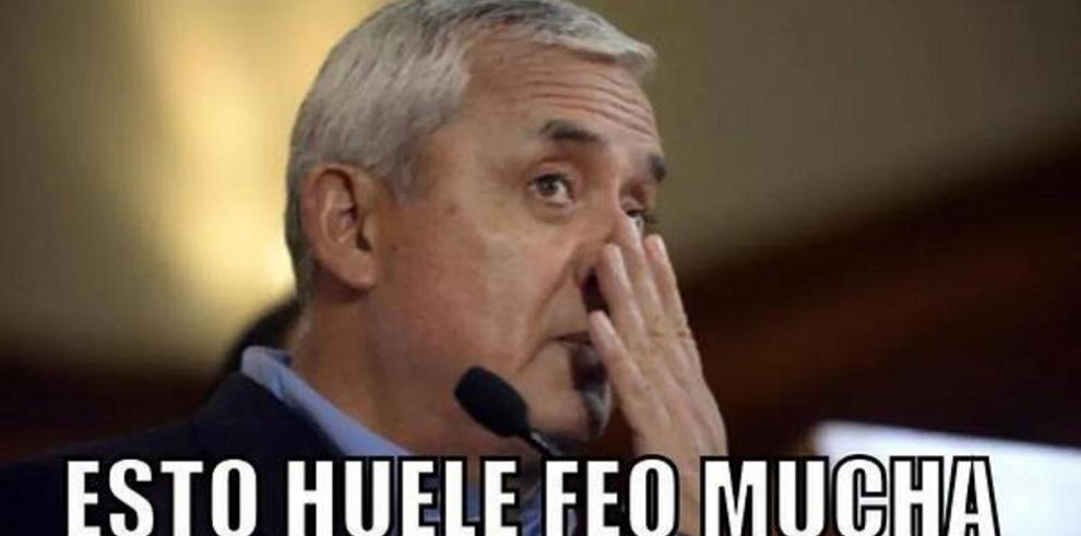 Guatemaltecos celebran con memes el retiro de inmunidad de Otto Pérez