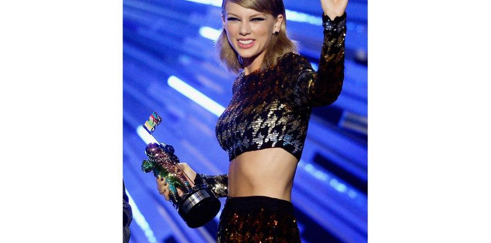 Swift arrasa en los MTV VM Awards