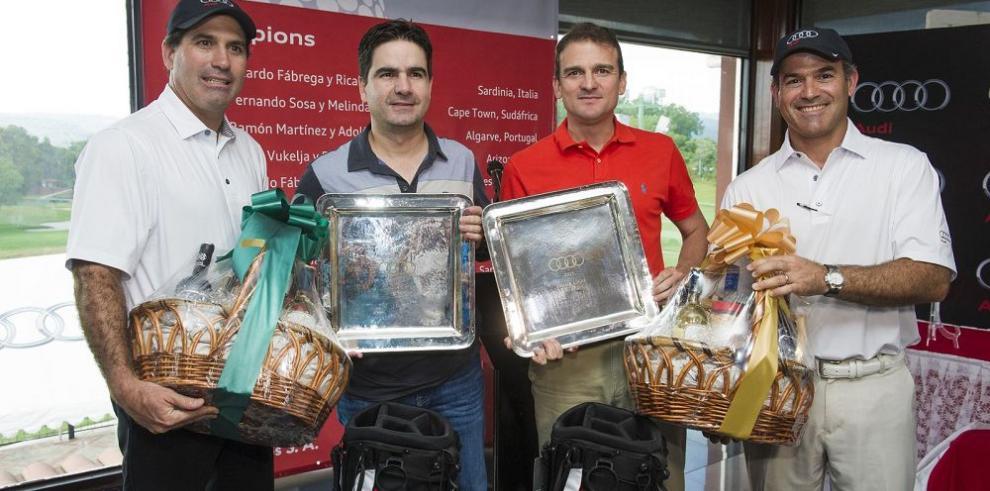 Premian a ganadores de torneo de golf