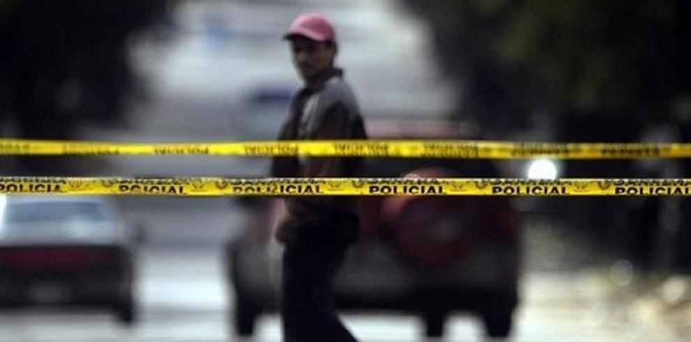 Tiroteo deja un muerto y dos heridos en universidad del oeste de EEUU