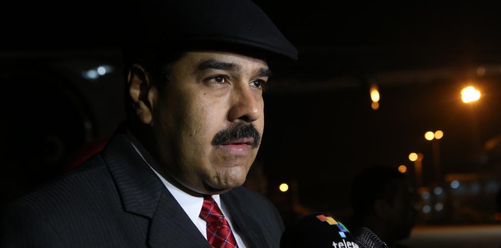 Santos está dispuesto a reunirse con Maduro por crisis con Venezuela
