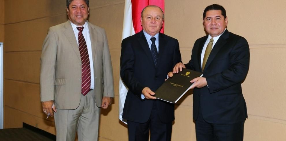 Sociedad civil rechaza designación de Elías Castillo en la ACP