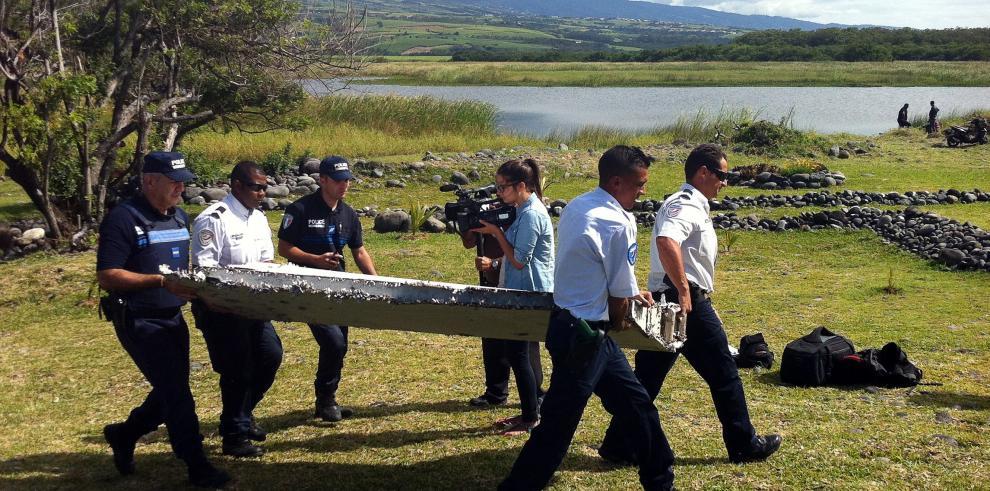 Francia certifica que restos de La Reunión son del vuelo MH370