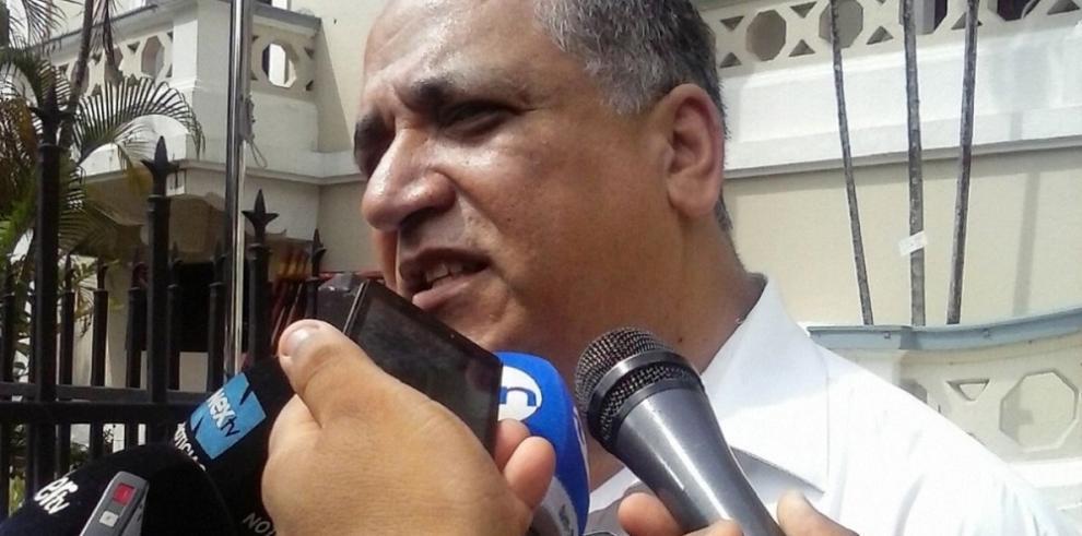 Camacho presentó una denuncia contra la Procuradora