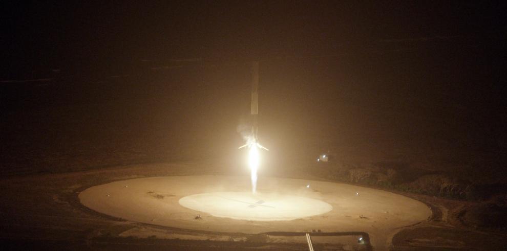 Aterrizaje de SpaceX abre una