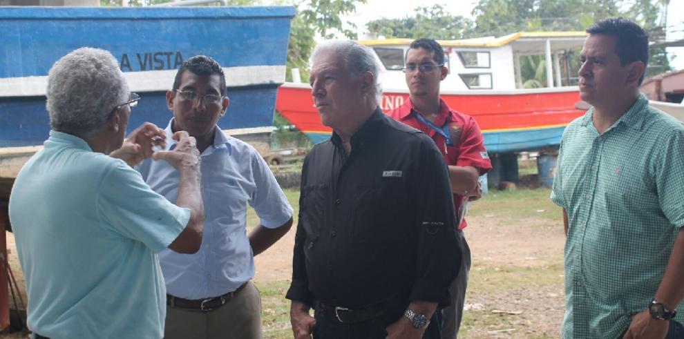 Pescadores de Pedregal reciben visita del MIDA