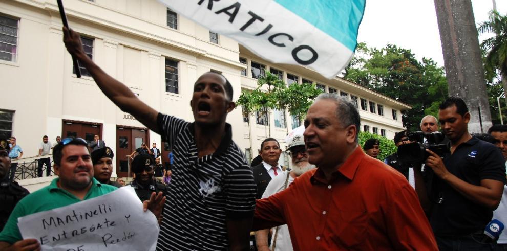 La Corte ordena detención de Martinelli