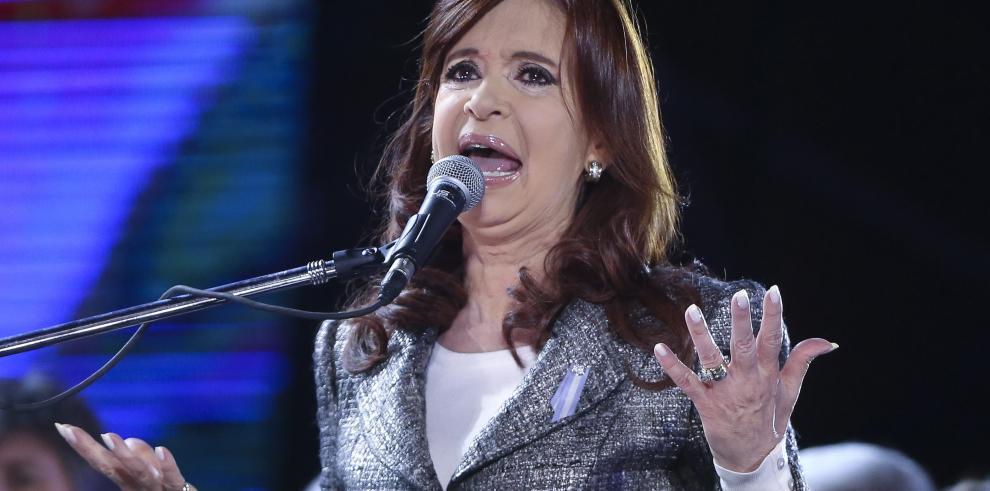 Kirchner auguró triunfo de su partido en presidenciales de octubre