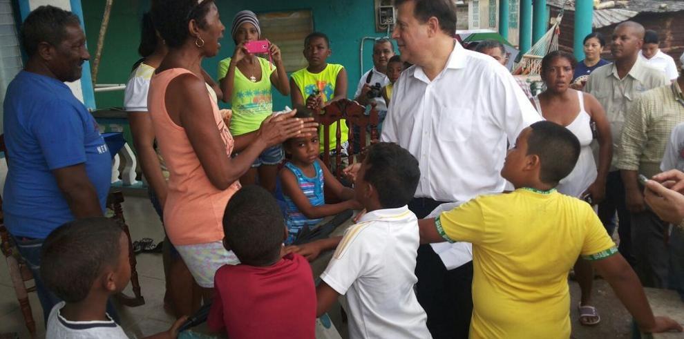 Reubicarán familias de Puerto Caimito afectadas por oleajes