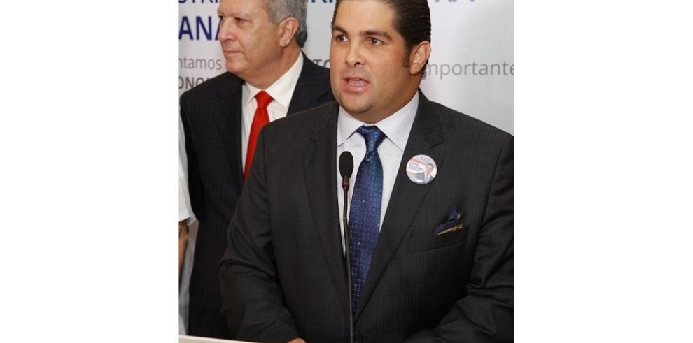 Carlos Fernández es electo Presidente de la Cámara de Comercio