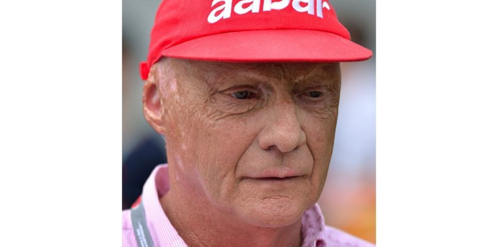 Niki Lauda pide prohibición de un solo piloto en cabinas de avión
