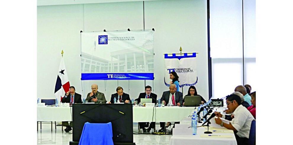 Comisión de Reformas se opone a acelerar el paso del debate electoral