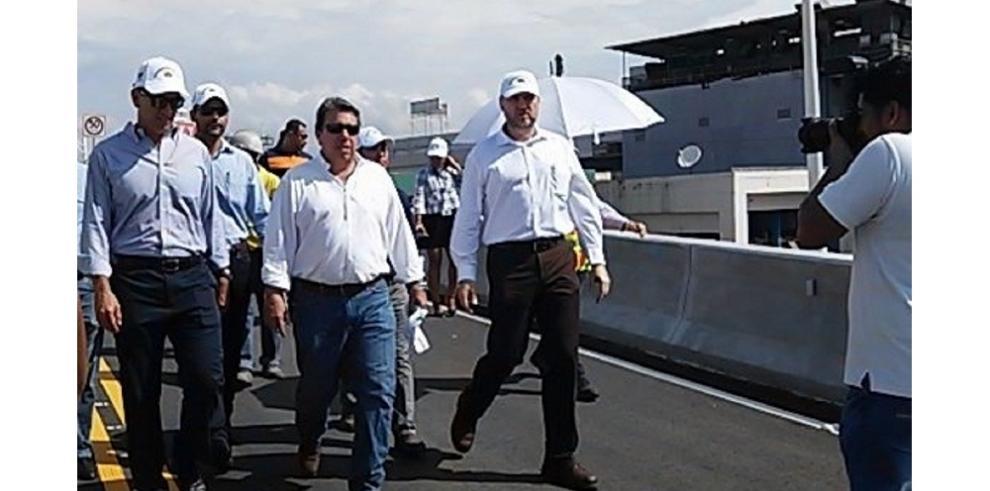 Inauguran viaducto de la vía Cincuentenario