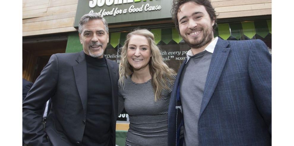 Clooney hace una visita social