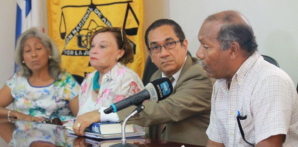 Extrabajadores del IRHE reclaman indemnización