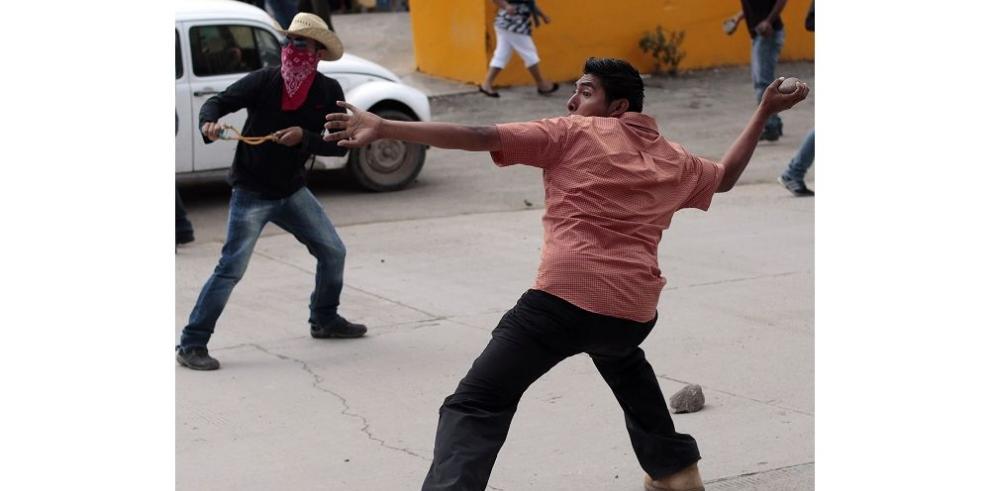 Maestros mexicanos continúan boicot