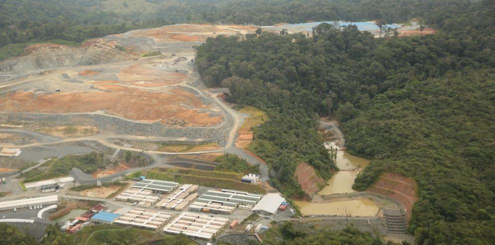 Minera Panamá se defiende de Suntracs