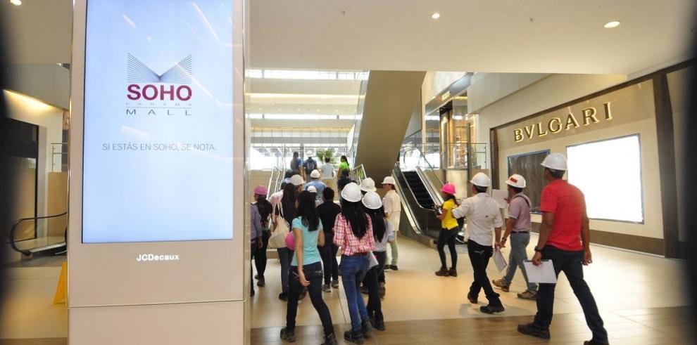 "Futuros arquitectos estudian el ""SoHo Mall"""