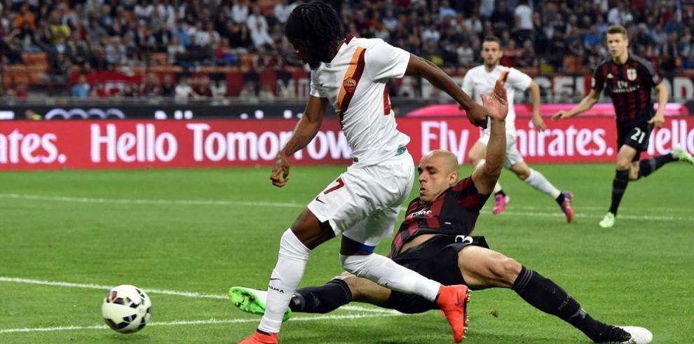 Roma cae en Milan y podría ceder hoy segundo lugar