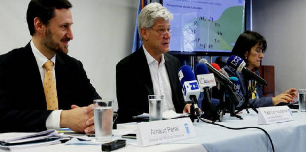 FARC y gobierno anuncian inédito pacto a favor de víctimas en Colombia