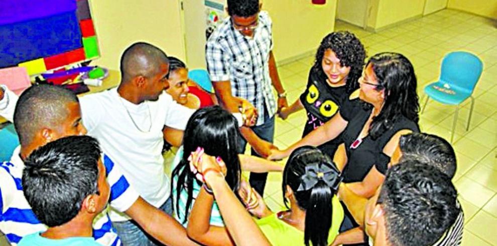 Educan a jóvenes sobre derechos