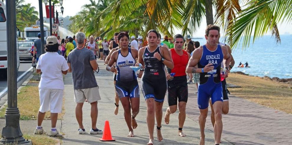 La prueba más exigente viene en el triatlón de Portobelo