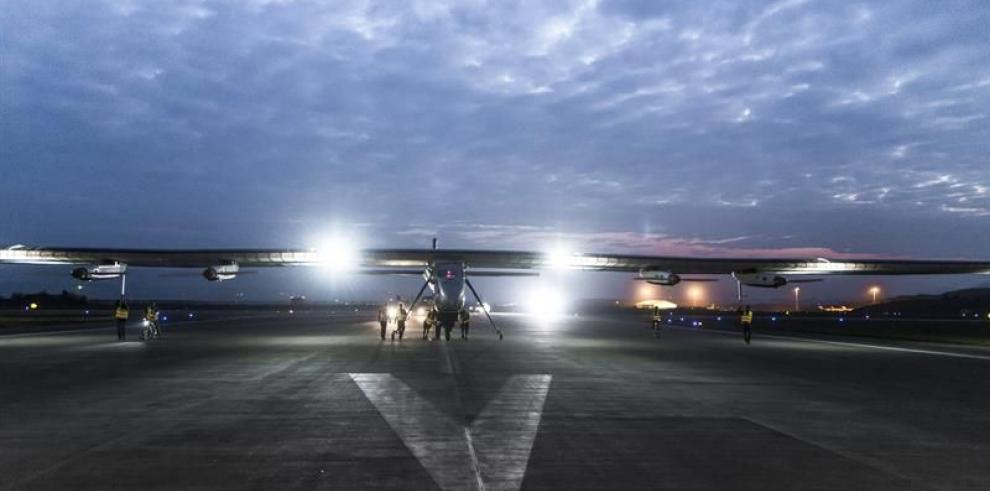 El avión Solar Impulse II reanuda su vuelta al mundo y llega a China