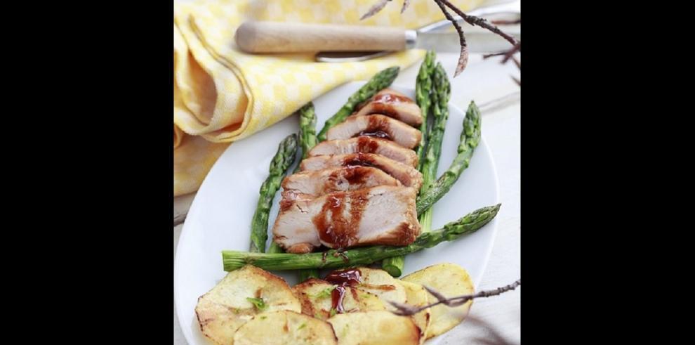 Pollo en salsa miso con trigueros
