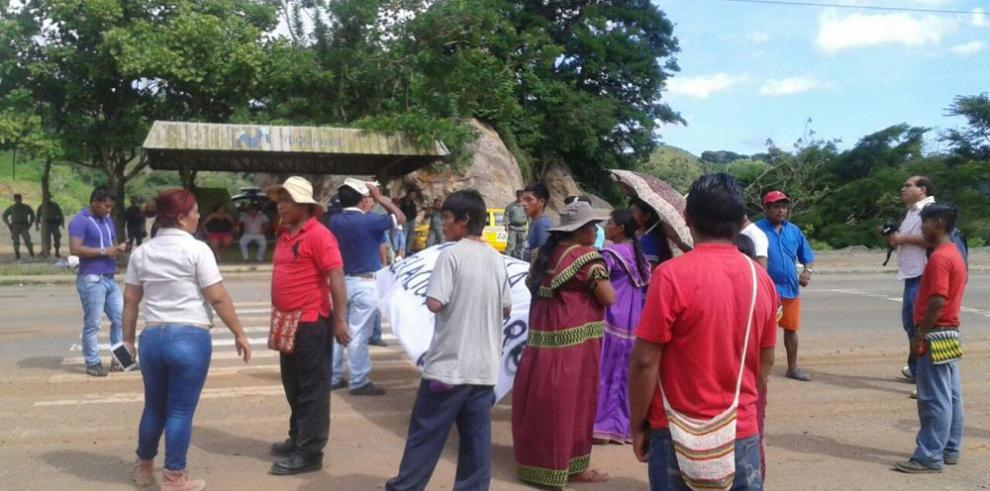 Indígenas cierran acceso a Tolé